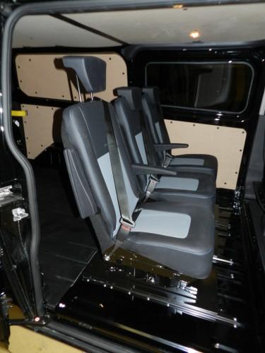 cabines approfondies transport de personnes carrossier. Black Bedroom Furniture Sets. Home Design Ideas